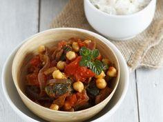 Curry mit Seitan, Kichererbsen und Tomaten ist ein Rezept mit frischen Zutaten aus der Kategorie Fruchtgemüse. Probieren Sie dieses und weitere Rezepte von EAT SMARTER!