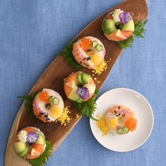 We have made the classic Japanese food sushi donut! Gourmet Recipes, Cooking Recipes, Gourmet Foods, Gourmet Food Plating, Healthy Gourmet, Cafe Food, Food Menu, Sushi Donuts, Japanese Food Sushi