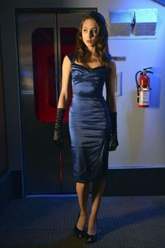 Spencer�s blue 40s style halloween dress on Pretty Little Liars.  Outfit Details: http://wornontv.net/4713/ #PrettyLittleLiars