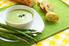 A seasonal asparagus topped with chive crème fraîche and spinach soup recipe by chef, Marcus Bean. Creamy Asparagus, Asparagus Soup, Spinach Soup, Broccoli, Healthy Soup, Healthy Snacks, Healthy Eating, Healthy Recipes, Parmesan Chips