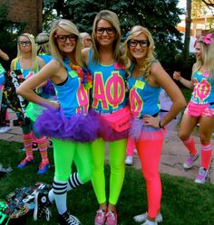 80s A Phi, loving how everyone in this picture is a blonde!
