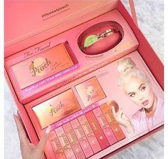 too faced peach vault - peach nail Makeup Remover Hacks, Makeup Goals, Makeup Tips, Peach Makeup, Peach Nails, Makeup Pallets, Makeup Brands, Makeup Products, Beauty Products