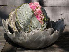 Hoeve de l'art - bloemcreaties - b2b - Bloem&Zaak Beautiful Flower Arrangements, Beautiful Flowers, Flora Design, Floral Artwork, Flower Ball, Funeral Flowers, Arte Floral, Container Plants, Felt Flowers
