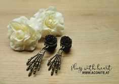 www.aconite.at Bobby Pins, Plugs, Hair Accessories, Beauty, Beleza, Corks, Cosmetology, Ear Plugs, Hair Accessory