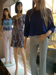 Vitrine Closet Mulher Alfaiatarias, calças, vestidos e topa seda. Facebook: www.facebook/closetmulher.com