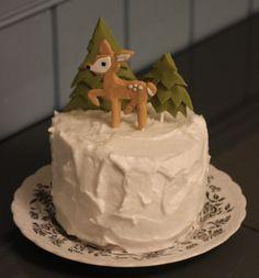 Kakkusankari: Peura ja kuuset -kakku
