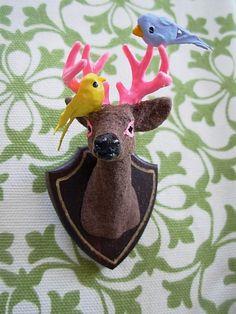 Buck mismo broche Birdie Edition por kitschygalore en Etsy