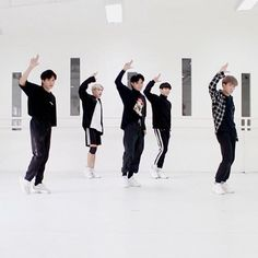 Korean Entertainment Companies, P Wave, Pinoy, Boy Groups, Guys, Heart, Artist, Artists, Sons
