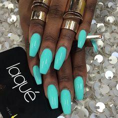 Nails by: Laque' Nail Bar Beautiful color! Teal Nails, Dope Nails, My Nails, Nails Turquoise, Bright Blue Nails, Tiffany Blue Nails, Bright Summer Acrylic Nails, Summer Nail Polish, Summer Nails Neon