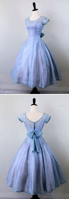 vintage dress // Sky Blue and Lavender Cupcake Dress with Eyelet Panels and a Sweet Big Bow Vintage 1950s Dresses, Vintage Outfits, Fashion Vintage, 1950s Fashion Dresses, Vintage Dresses For Teens, Pretty Dresses For Teens, 50s Vintage, Vintage Ideas, Retro Dress