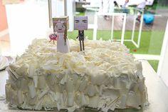#weddingcake #bolocasamento #bolonoiva #weddingcaketopper #topodebolo #portugal #paperlovetoys  fotografia 1.JPG