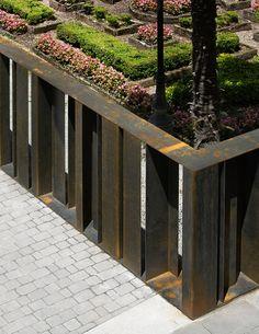 Yrizar Palace Garden by VAUMM Architects
