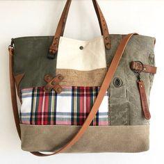 Image of Cabas SO British Diy Purse, Tote Purse, Hobo Bag, Medicine Bag, Unique Bags, Denim Bag, My Bags, Purses And Bags, Beautiful Bags