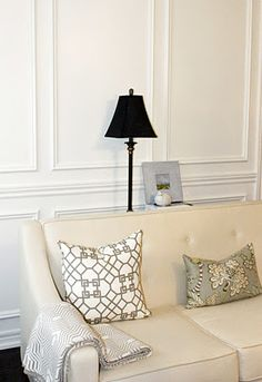 AM Dolce Vita (http://michellelalala.blogspot.com/), Living Room Art, DIY Art, Black Lamp Shade, Wainscoting, Cream fabric sofa