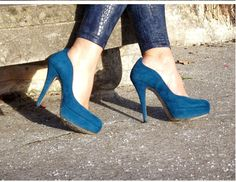 www.glitterchampagne.com Shoes
