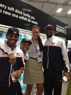 Elizabeth Cambage's Photo: Who can name every baller in this pic?