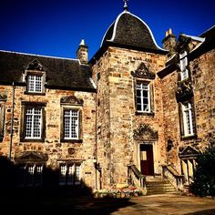 The @uniofstandrews has some really beautiful buildings. This is one of the academic buildings in St Mary's Quad located just off South Street. Very soon the quadrants will be filled with students as we enter another academic year. Thanks to @egpstandrews for tagging this photo with #visitstandrews #standrews #univofstandrews #history #architecture