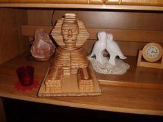 Hübsche #Dekoration für die #Wohnung: Eine #Sphinx aus #Restholz!