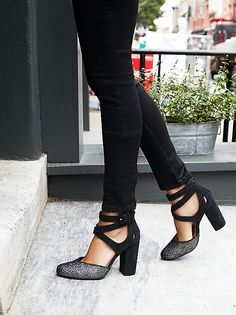 Love these strappy closed toe heels...I could see these working for work or a night out, love the thick heel and straps!!