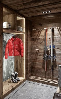 A Swiss Chalet DPAGES - a design publication for lovers of all things cool & beautiful Ski Lodge Decor, Chalet Design, Design Design, Chalet Interior, Swiss Chalet, Alpine Chalet, Log Homes, Cabin Homes, Skiing