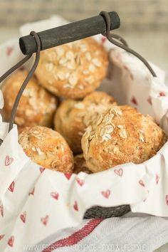 Frühstücksbrötchen Haferflockenbrötchen mit Quark schnelles Rezept zum Frühstück von ÜberSee-Mädchen Foodblog Bodensee Überlingen