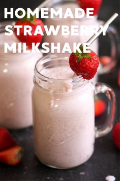 Want to know how to make the best strawberry milkshakes your friends and family would love? Check out our strawberry milkshake recipe at Six Sisters' Stuff. Best Strawberry Milkshake Recipe, Fruit Milkshake, Homemade Milkshake, Healthy Milkshake, Fresh Strawberry Recipes, Strawberry Smoothie, Fruit Smoothies, Healthy Smoothies, Smoothie Recipes