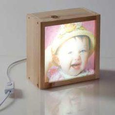 Personaliza la caja de luz con la foto de tu hij@ y disfruta de ella las 24horas del día.