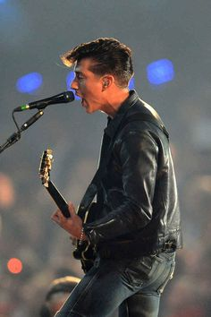 His leather jacket and tight-jeans game is just all-around spot on. | For Everybody Who Is Uncontrollably Attracted To Arctic Monkeys' Frontman Alex Turner
