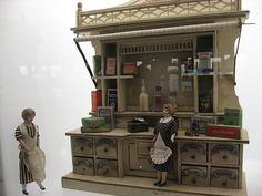 §§§ : antique miniature shop