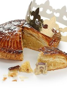 Galette des rois réussie à tous les coups - Dominik Sexton Baking Recipes, Cake Recipes, Dessert Recipes, Chefs, Oreo, Marijuana Recipes, Frozen Puff Pastry, Canadian Food, French Desserts