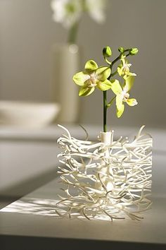 printer design printer projects printer diy Don't think we could get these.just liked the driftwood look (hidden vase by Dan Yeffet. 3d Printing Diy, 3d Printing Service, Impression 3d, Sogetsu Ikebana, 3d Printed Objects, 3d Printer Designs, 3d Home, Flower Holder, Unusual Flowers