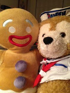Gingerbread man and Duffy Bear #Duffy #DuffyTheDisneyBear #DisneyBearCousins