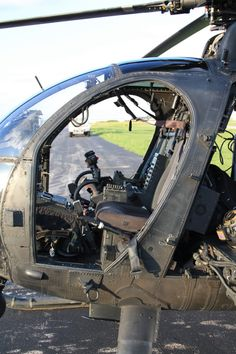 Vintage Aircraft – The Major Attractions Of Air Festivals - Popular Vintage Helicopter Pilots, Military Helicopter, Military Jets, Military Aircraft, Little Bird Helicopter, Vintage Airplanes, 6 Photos, Air Show, War Machine