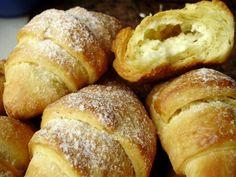 Rogaliki krucho-drożdżowe Breakfast Menu, Sweet Pastries, No Bake Cake, Food And Drink, Bread, Cookies, Bakken, Sweets, Crack Crackers