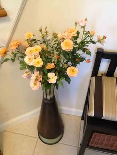 Checkout some cheap n' easy floral arrangements from Lisa's garden... (Pictured: Flower Carpet Amber roses) http://youreasygarden.com/cheap-n-easy-floral-arrangements-from-my-garden/