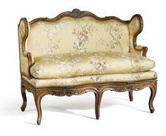 Canapé à transformation en bois naturel sculpté d'époque Louis XV | Lot | Sotheby's