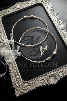 Στέφανα γάμου με μαργαριτάρι και πορσελάνινα λουλούδια Wedding Blog, Wedding Stuff, Wedding Crowns, Chain, Jewelry, Ideas, Stock Wedding Crowns, Jewlery, Jewerly