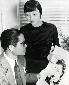 KEYE LUKE, ACTOR AND ARTIST Keye Luke the Chinese-American actor whose Hollywood career spanned seven decades, made his screen debut in an uncredited supporting role in The Painted Veil. Asian American Actresses, American Actors, Luke Show, Anna May, Actor Secundario, Yoga Hair, Sound Film, Russian Wedding, Bagdad
