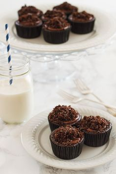 moistest double chocolate cupcakes (made with butter, oil, extra egg ...