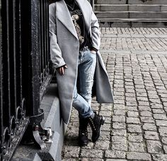 More looks by Barbara Baccaert: http://lb.nu/barbarabaccaert  #casual #grunge #street #yeezy #kanyewest #boots #rippedjeans #zara #urbanoutfitters