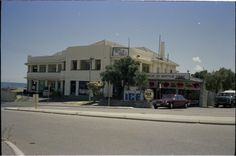 312844PD: Scarborough Hotel, March 1985 (Click to Start Zoom) Lost Hotel, Western Australia, Hotels, March, Street View, Mansions, House Styles, Home Decor, Mac