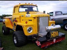 This is a Dodge Pulling Truck Old Dodge Trucks, New Trucks, Cool Trucks, 6x6 Truck, Custom Pickup Trucks, Truck And Tractor Pull, Tractor Pulling, Truck Pulls, Farmall Tractors