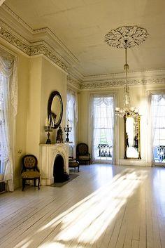 Love this beautiful Italianate Antebellum Home!!!Nottaway Plantation - White Castle, | http://littledreamhouses.blogspot.com