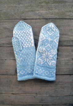 Christmas Gift For You, Perfect Christmas Gifts, Wool Gloves, Snowflake Pattern, Knit Mittens, Blue Wool, Christmas Traditions, Warm And Cozy, Hand Knitting