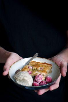 Sugar-free rhubarb pie & cardamom and vanilla nicecream Rhubarb Pie, Nice Cream, Acai Bowl, Sugar Free, Vanilla, Vegetarian, Eat, Breakfast, Inspiration
