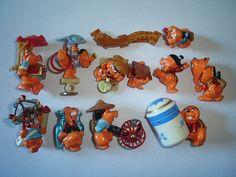 Kinder Surprise Set  Castorcin Chinese by KinderSurpriseToys