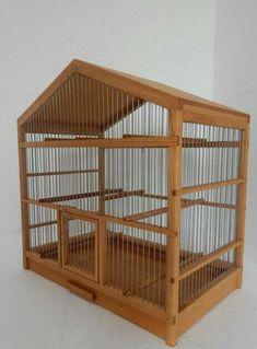 Gaiola em madeira - manual Bird Cage Design, Diy Bird Cage, Bird Cages, Diy Parakeet Cage, Turtle Cage, Homemade Bird Houses, Hamster Cages, Bird Aviary, Pet Birds