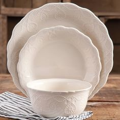The Pioneer Woman Cowgirl Lace 12-Piece Dinnerware Set - Walmart.com & The Pioneer Woman Cowgirl Lace Teal Dinner Plate - Walmart.com ...