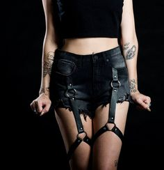 shorts jeans hotpants pants hot pants black leather leather belt leather belts leather garter garter garters grunge fashion outfit clothes t. Dark Fashion, Grunge Fashion, Gothic Fashion, Studded Leather Jacket, Black Leather, Leather Belts, Punk Outfits, Fashion Outfits, Unif Clothing