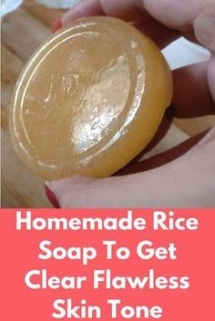 Homemade Rice Soap To Get Clear Flawless Skin Tone This homemade soap made from rice flour, gram flour and sweet almond oil is best thing you can use in summer. It will help you to brighten and lighte Diy Savon, Savon Soap, Natural Skin, Natural Glow, Best Natural Soap, Natural Soaps, Natural Beauty, Gram Flour, Rice Flour